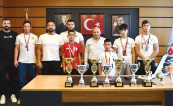 Altınova'dan spora ve sporcuya tam destek